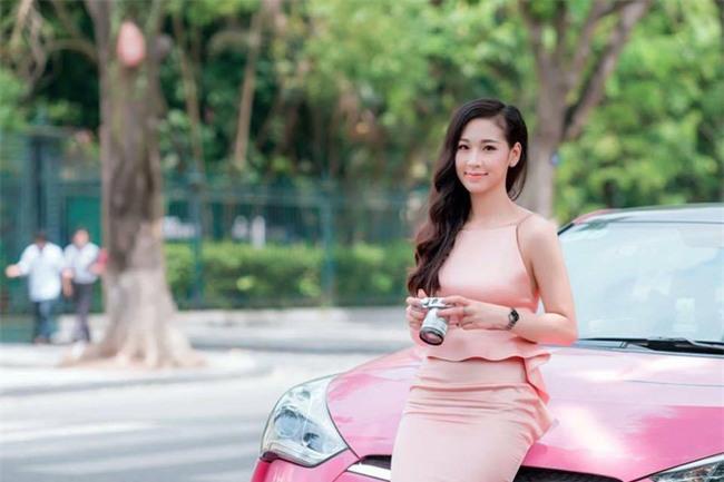 Lộ diện chủ nhân xế hộp hồng gây sốt trên đường phố Hà Nội những ngày qua - Ảnh 2.
