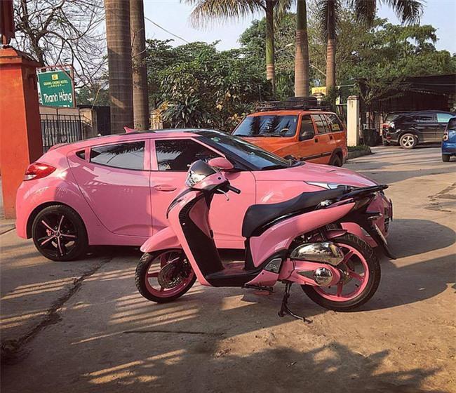 Lộ diện chủ nhân xế hộp hồng gây sốt trên đường phố Hà Nội những ngày qua - Ảnh 4.