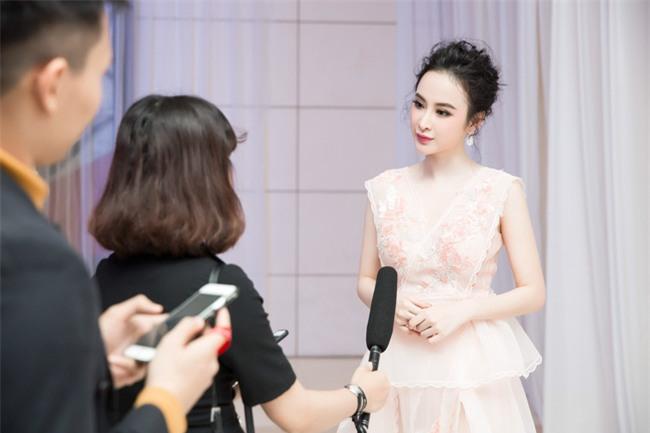 Angela Phương Trinh diện váy trắng bồng bềnh, gợi cảm khoe lưng trần  - Ảnh 6.