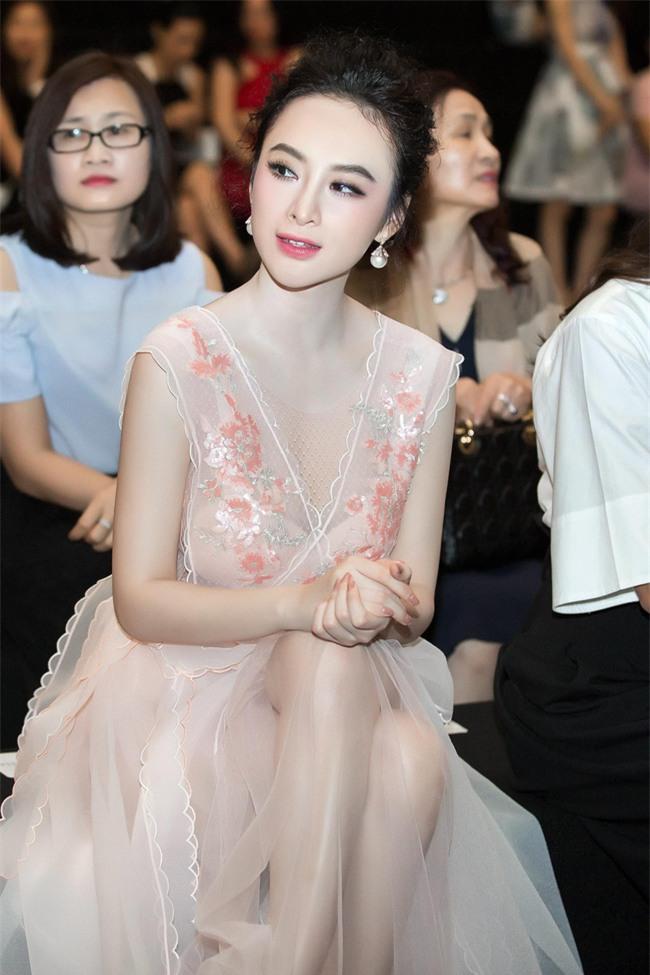 Angela Phương Trinh diện váy trắng bồng bềnh, gợi cảm khoe lưng trần  - Ảnh 8.