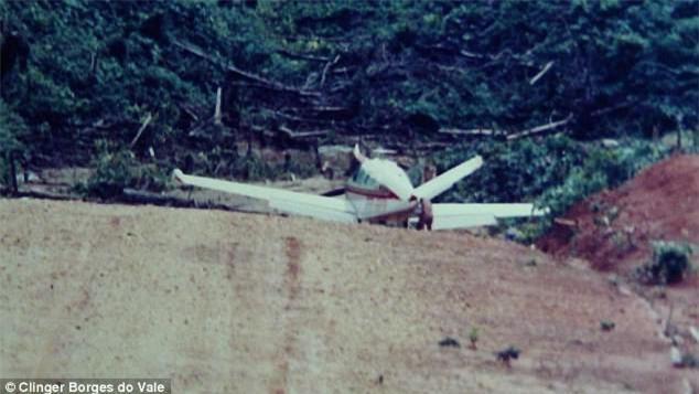 Phi công may mắn nhất thế giới kể chuyện hơn chục lần chết hụt - Ảnh 2.
