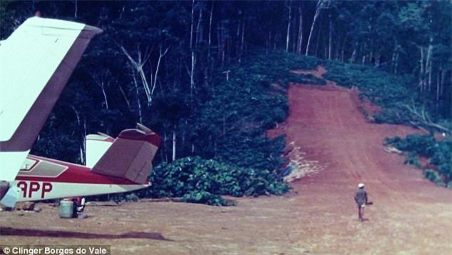Phi công may mắn nhất thế giới kể chuyện hơn chục lần chết hụt - Ảnh 3.