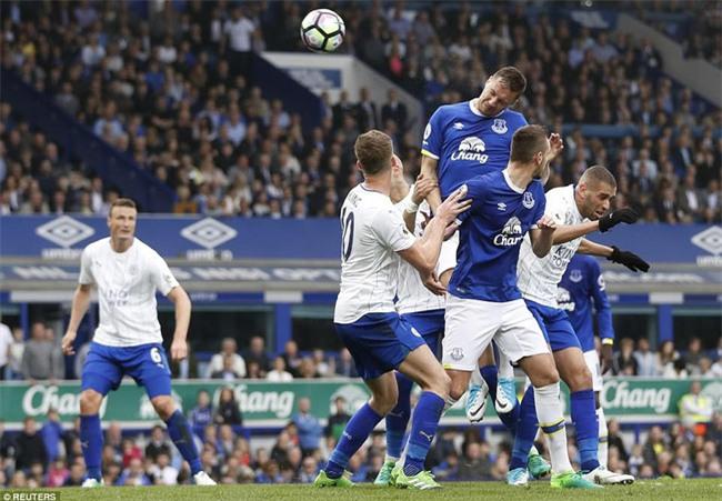 Leicester đứt mạch chiến thắng sau khi sa thải HLV Ranieri - Ảnh 12.