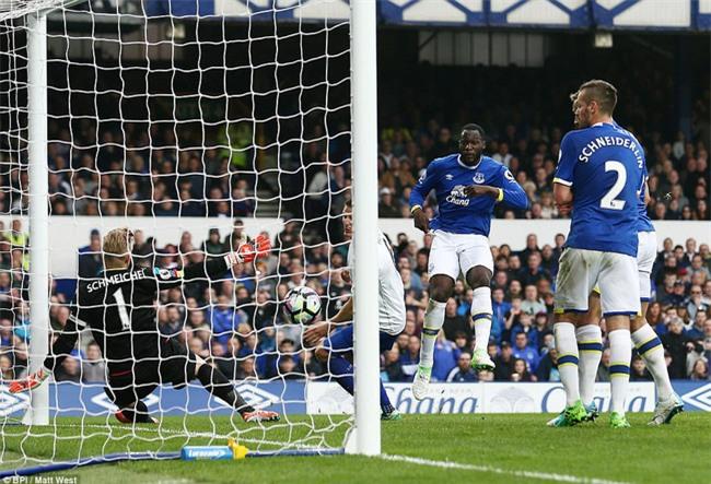 Leicester đứt mạch chiến thắng sau khi sa thải HLV Ranieri - Ảnh 15.