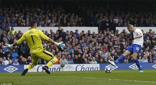 Leicester đứt mạch chiến thắng sau khi sa thải HLV Ranieri - Ảnh 6.