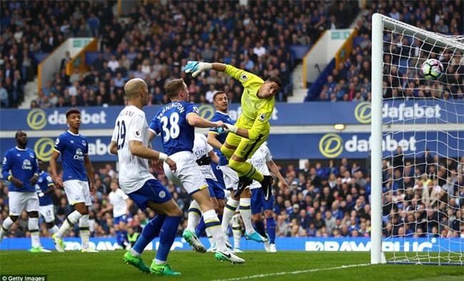 Leicester đứt mạch chiến thắng sau khi sa thải HLV Ranieri - Ảnh 8.