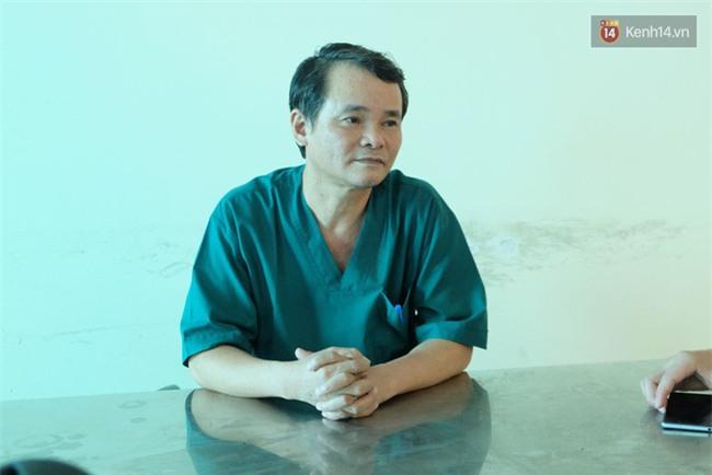 """Bé gái 9 tuổi bị bố truy sát ở Bắc Ninh: """"Mẹ đã cố che chắn cho hai chị em sau khi bị bố đâm - Ảnh 8."""