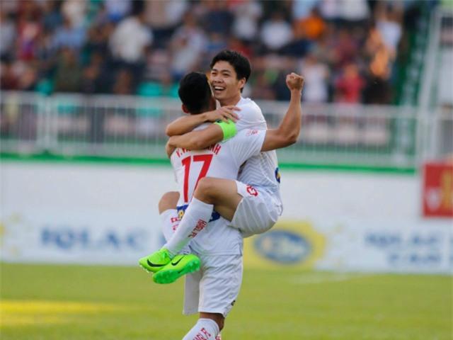 cong phuong xuat sac nhat vong 12 v.league 2017 hinh anh 1