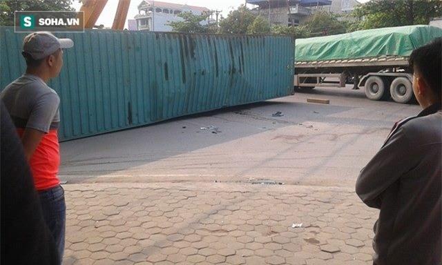 2 nạn nhân tử vong trong vụ container đè nát ô tô con là giáo viên - Ảnh 3.