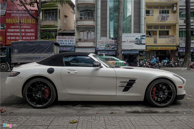 Sieu xe Mercedes SLS mui tran duy nhat tai Viet Nam cua dai gia ca phe hinh anh 2