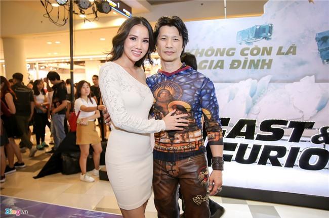 Dinh Tien Dat tranh mat Hari Won o su kien ra mat phim hinh anh 11