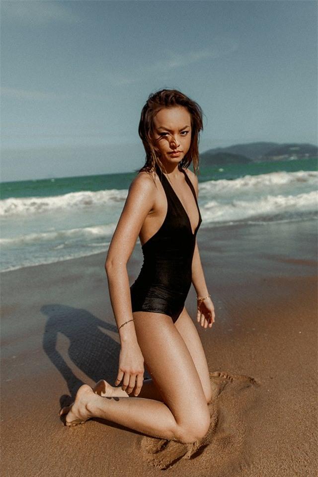 Mới chớm hè sao Việt đã khoe dáng nóng bỏng với đồ bơi, ai đoạt ngôi quyến rũ nhất? - Ảnh 13.