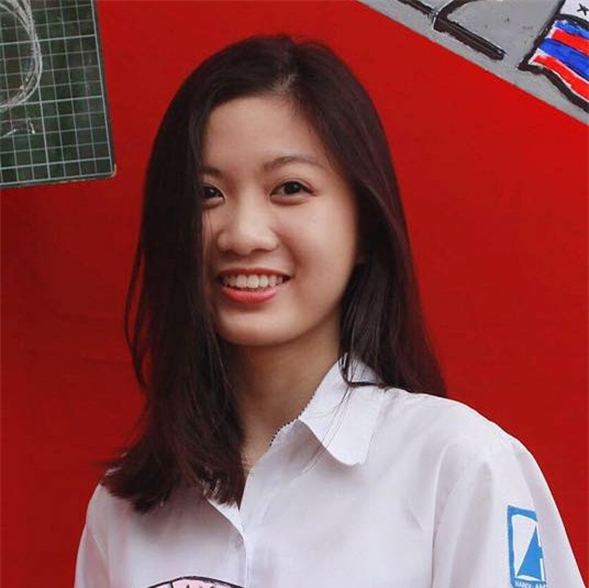 Nữ sinh trường Ams lọt vào 0,03% người đạt điểm tuyệt đối trong số 1,7 triệu người thi SAT - Ảnh 1.