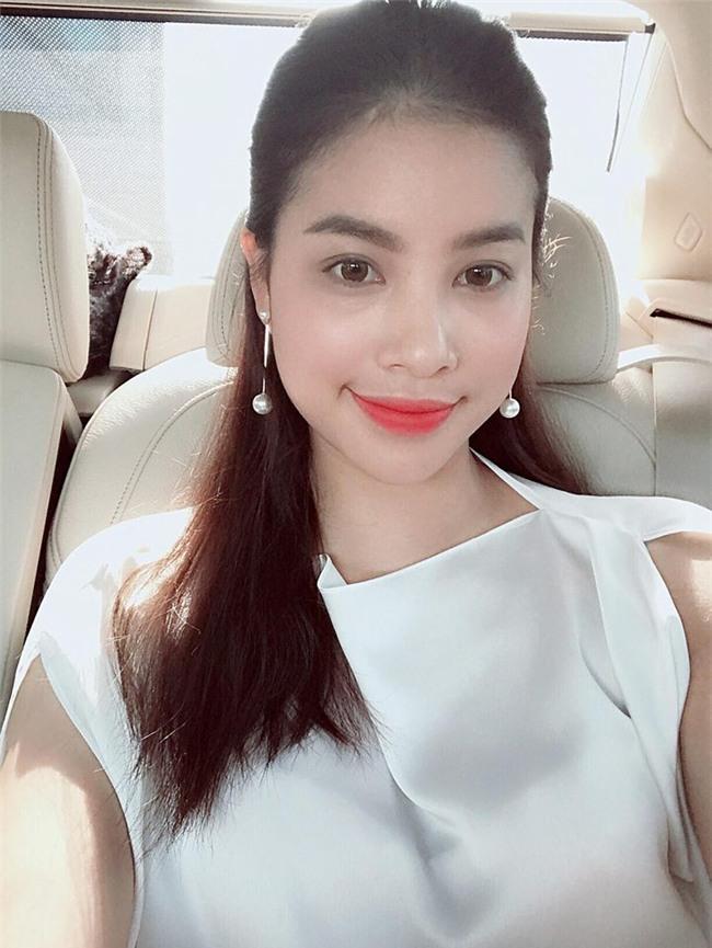 "pham huong can gi dien vay cong chua, mac the nay da du ""don tim"" hinh anh 4"
