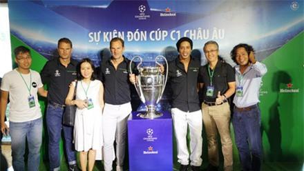 """Ronaldinho: """"Tình yêu bóng đá của người Việt Nam không kém so với Brazil"""" ảnh 2"""