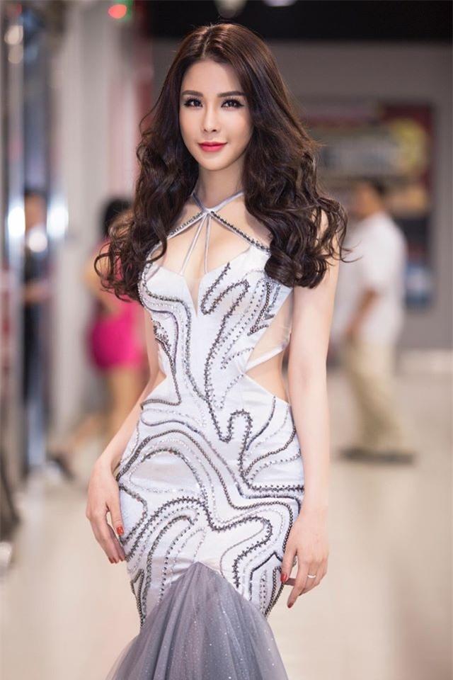 3 người đẹp Việt biến luôn thành người khác sau 1 lần thẩm mỹ đại phẫu nhan sắc - Ảnh 16.
