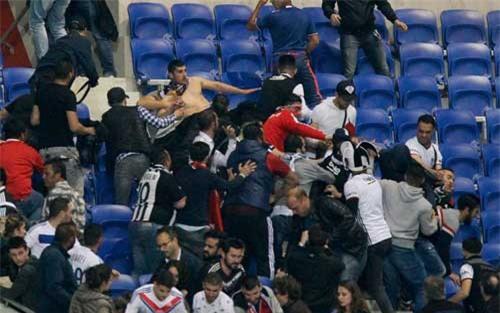 Europa League: CĐV hỗn chiến, fan nhí hoảng loạn - 8