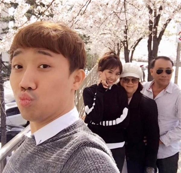"""hari won """"song chung voi me chong"""" tai nha tran thanh the nao? hinh anh 4"""