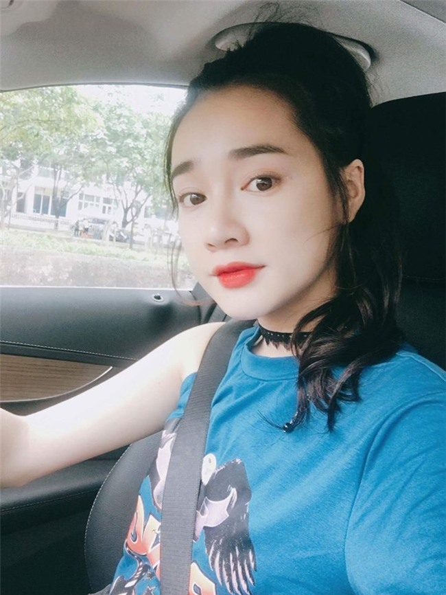 "nha phuong, my tam ha guc fans voi style ""mot mat mot con"" hinh anh 1"