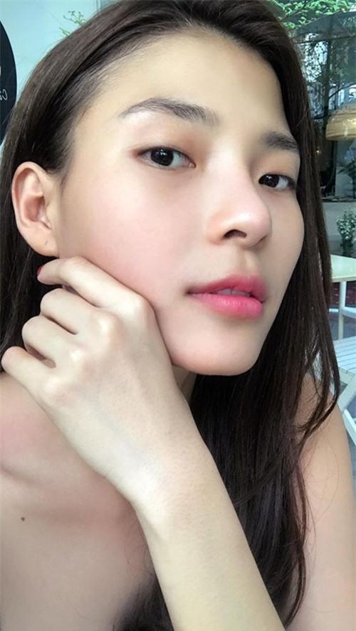 Bà xã Lương Thế Thành khoe mặt mộc đẹp không tỳ vết.