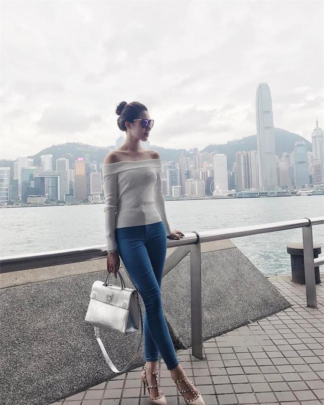 Cứ đến hè là sao Việt lại thích khoe trọn vai trần trong những thiết kế trễ vai mong manh - Ảnh 17.