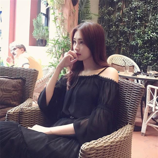 Cứ đến hè là sao Việt lại thích khoe trọn vai trần trong những thiết kế trễ vai mong manh - Ảnh 2.