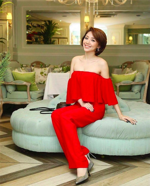 Cứ đến hè là sao Việt lại thích khoe trọn vai trần trong những thiết kế trễ vai mong manh - Ảnh 6.