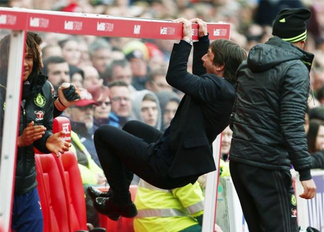 Man Utd vs Chelsea: Mourinho đang thua Conte quá nhiều - Ảnh 6.