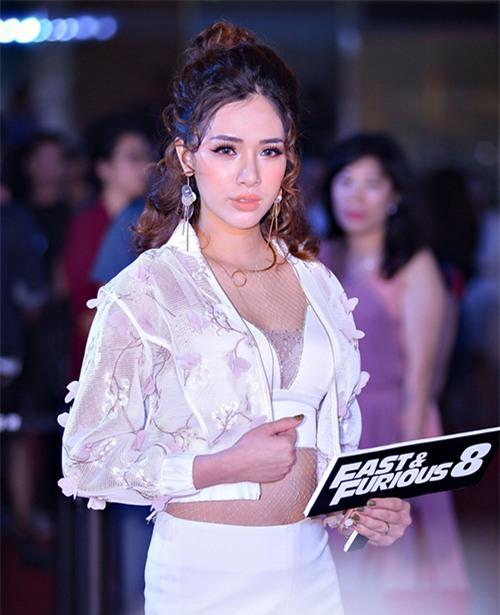 sao trang diem xau: a hau huyen my, hot girl mai tho mat bong nhoang dau - 5