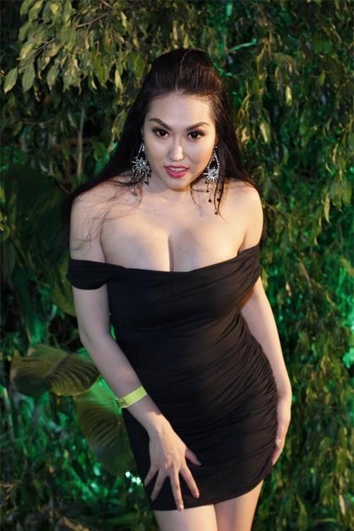 """Tự nhận quá sexy, Phi Thanh Vân """"bó tay"""" với việc hạn chế diễn khoe thân - 2"""