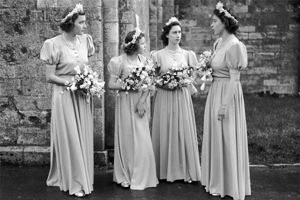 Hoàng tử nhí George và công chúa Charlotte háo hức làm phù dâu phù rể trong đám cưới hoàng gia - Ảnh 5.
