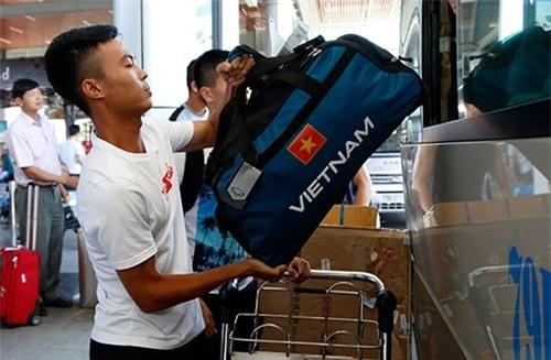 U20 Việt Nam gặp trở ngại đầu tiên khi vừa tới Đức.