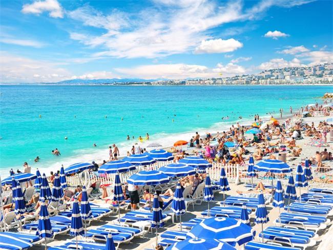 5 bãi biển đẹp tựa thiên đường với chi phí hợp lý của châu Âu - Ảnh 3.