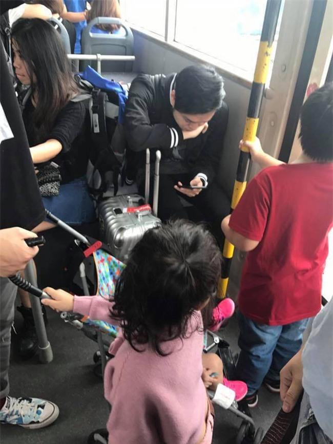 Bị nói không nhường ghế cho trẻ nhỏ, Quang Vinh lên tiếng: Tôi là người nổi tiếng, tôi biết mình cần làm gì! - Ảnh 1.