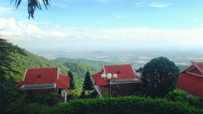 5 resort hội tụ đủ yếu tố đẹp, gần, dễ đi, giá hợp lý cho chuyến du lịch 30/4 gần Hà Nội - Ảnh 1.