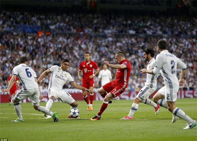 Trên Bernabeu, mỗi ngọn cỏ đều phải gọi tên Cristiano Ronaldo - Ảnh 12.