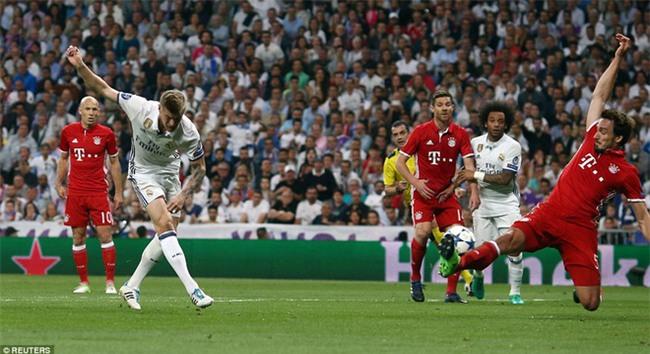 Trên Bernabeu, mỗi ngọn cỏ đều phải gọi tên Cristiano Ronaldo - Ảnh 17.