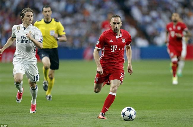 Trên Bernabeu, mỗi ngọn cỏ đều phải gọi tên Cristiano Ronaldo - Ảnh 8.