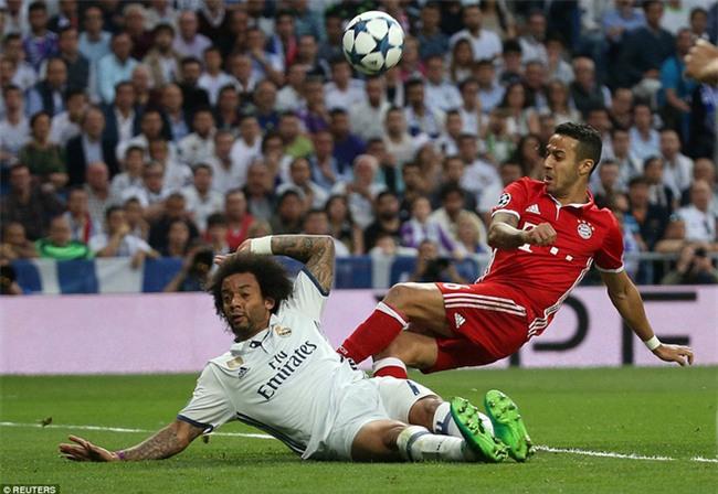 Trên Bernabeu, mỗi ngọn cỏ đều phải gọi tên Cristiano Ronaldo - Ảnh 9.