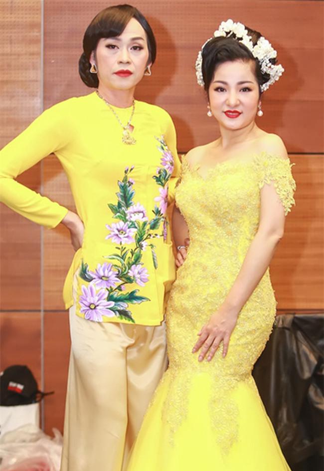 Hoài Linh, Thanh Duy Idol từ chối giả gái dù được trả cát-xê khủng - Ảnh 1.
