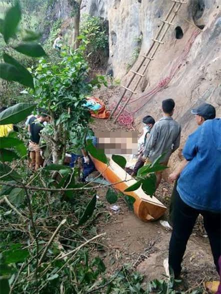 Thi thể nam giới được phát hiện trong hang đá cao 15m