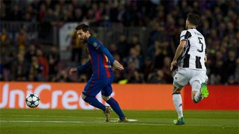 Messi bỏ lỡ không ít cơ hội ngon ăn