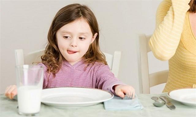 Canh xương có bổ sung canxi như uống sữa? 3 vấn đề cần chú ý khi bổ sung canxi - Ảnh 2.