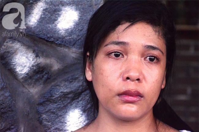 Mẹ bé gái 13 tuổi tự tử nghi do hàng xóm xâm hại: Gia đình người đàn ông ấy luôn chửi bới, đe dọa tôi - Ảnh 1.