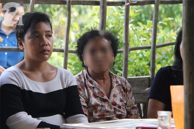 Mẹ bé gái 13 tuổi tự tử nghi do hàng xóm xâm hại: Gia đình người đàn ông ấy luôn chửi bới, đe dọa tôi - Ảnh 5.