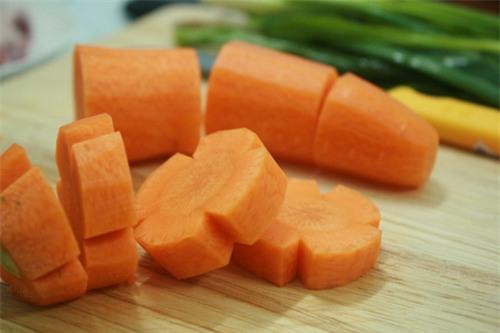 BBC: Cách ăn cà rốt sai lầm ai cũng mắc, triệt tiêu đặc tính chống ung thư - Ảnh 1.