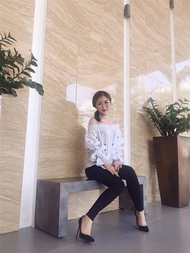 Angela Phương Trinh dìm chiều cao bằng quần loe quá khổ, Đỗ Mỹ Linh chững chạc với tóc uốn xoăn - Ảnh 20.