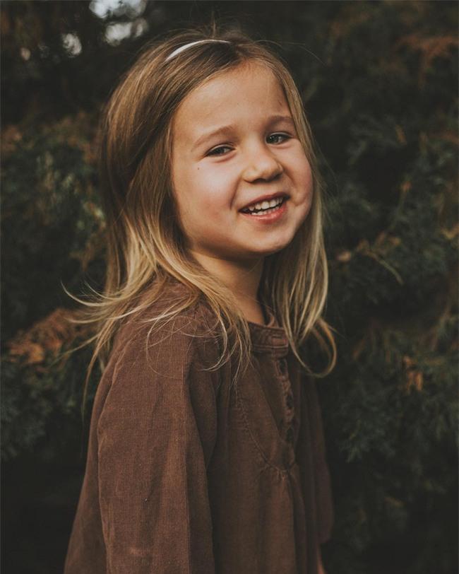 """Cô bé bỗng nổi như cồn trên mạng vì """"cấm"""" bố không được gọi mình là công chúa - Ảnh 14."""