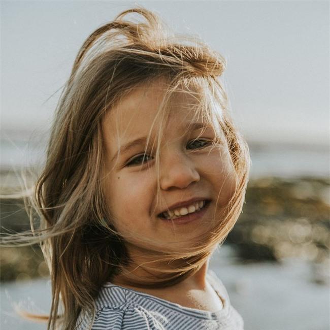 """Cô bé bỗng nổi như cồn trên mạng vì """"cấm"""" bố không được gọi mình là công chúa - Ảnh 7."""