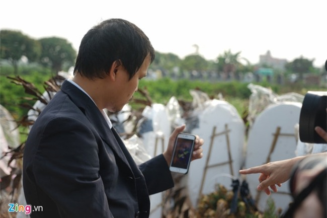 Bo me be Nhat Linh khong duoc doi chat voi nghi pham sat hai con hinh anh 1